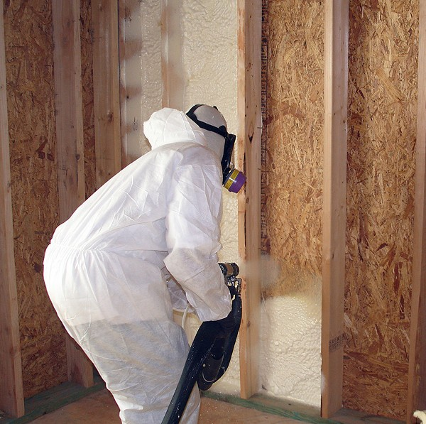 Closed Cell vs Open Cell Spray Foam Insulation